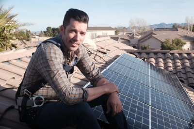 'Property Brother' Jonathan Scott explores solar power controversy