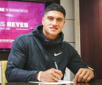 Washington Football Team signs ex-college basketball player Sammis Reyes