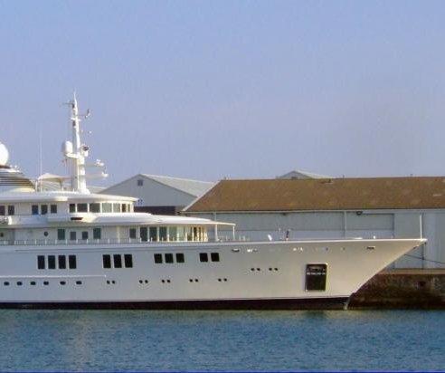 Billionaire Paul Allen working with authorities after yacht destroys reef