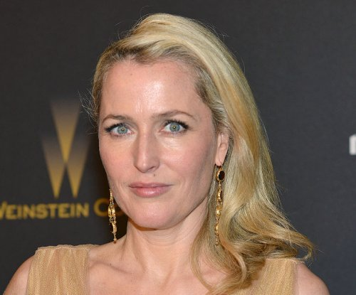Gillian Anderson open to playing female James Bond