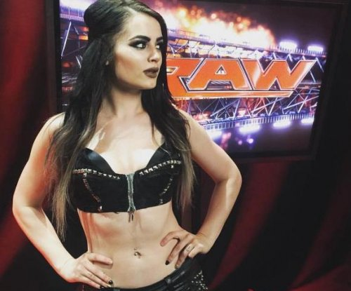 Paige details airport incident with Alberto El Patron: 'He never touched me'