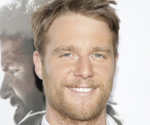 Jake McDorman to play adult Avery on 'Murphy Brown' revival