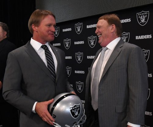 Oakland Raiders fans grateful for Jon Gruden fan party