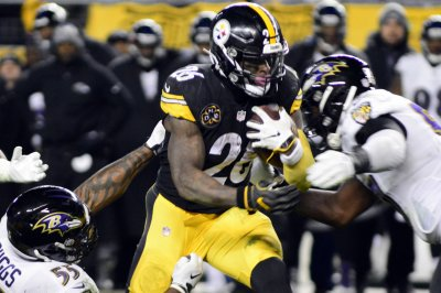 Steelers owner does not expect team to trade Le'Veon Bell