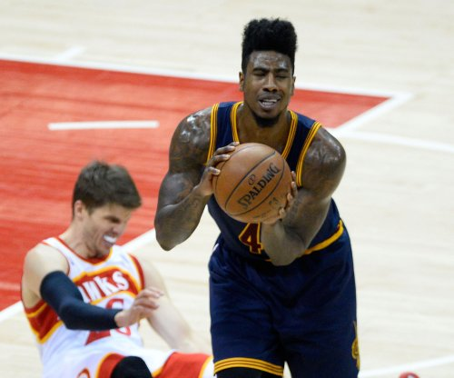 Shumpert, Thompson sticking with Cleveland Cavaliers