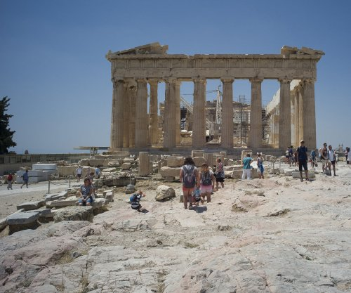 In Greece, tourism industry recovers quickly