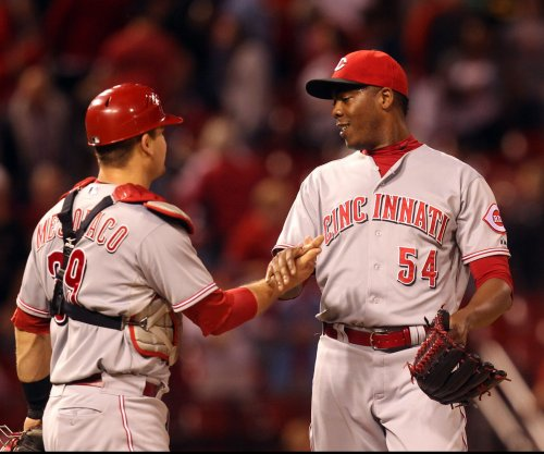 New York Yankees land All-Star Aroldis Chapman from Cincinnati Reds