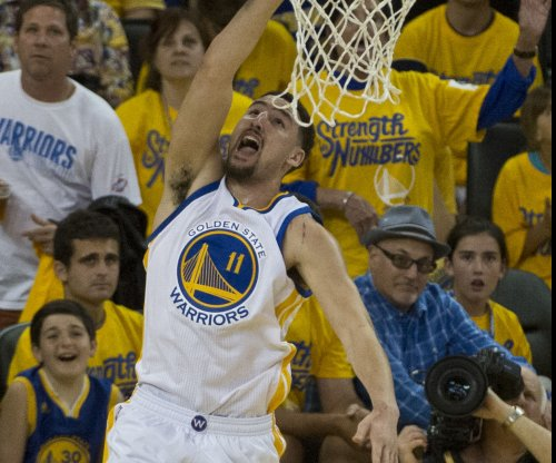Golden State Warriors win, but Stephen Curry injured again