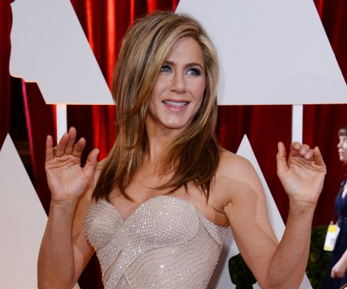 Jennifer Aniston tries to quash yuletide fun in 'Office Christmas Party' trailer