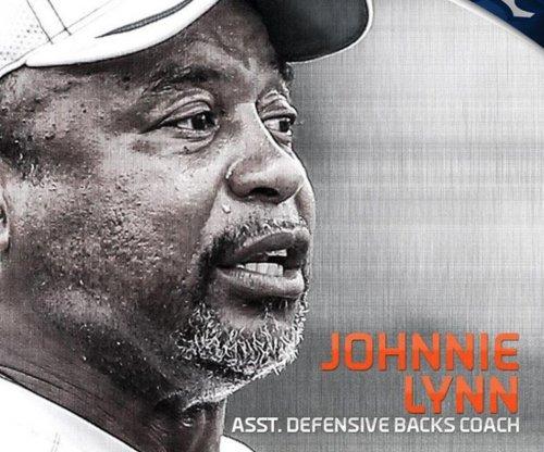 Denver Broncos add Johnnie Lynn to coaching staff, promote Chris Gould