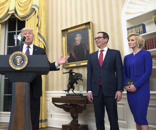 U.S. Treasury Secretary Steven Mnuchin marries actress Louise Linton