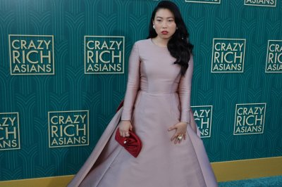 Awkwafina, Seth Meyers to guest host 'Saturday Night Live'