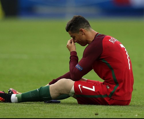 Cristiano Ronaldo to miss 6-8 weeks with knee sprain
