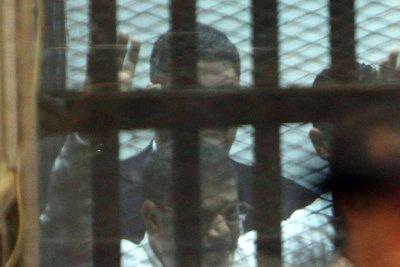 Egyptian court overturns Mohammed Morsi's life sentence