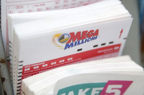 Woman wins lottery jackpot 10 years after husband won sweepstakes