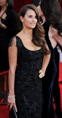 Report: Penelope Cruz gives birth to a son