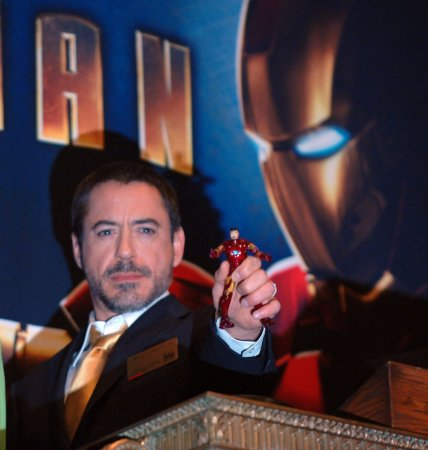 Downey to play Sherlock Holmes