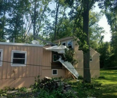 Small plane crashes into Connecticut house, injuring one