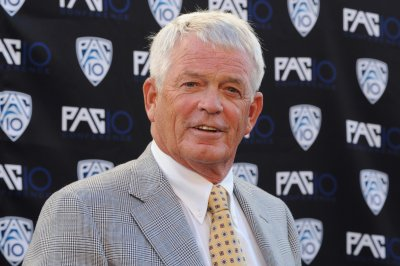 Dennis Erickson retires from coaching