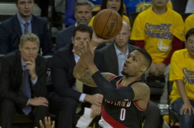 Hot Lillard leads Blazers into matchup with Knicks