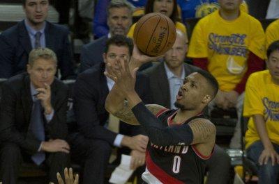 Hot Lillard leads Blazers into matchup with Knicks