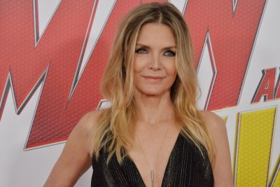Michelle Pfeiffer, Lucas Hedges to start filming 'French Exit' next month