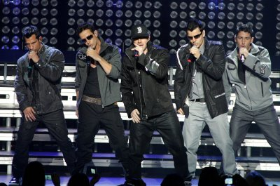 NKOTB, Boys plan New Year's gig