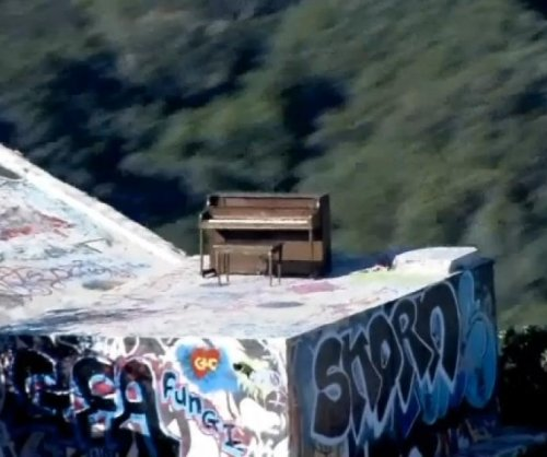 Piano mysteriously appears in Santa Monica Mountains