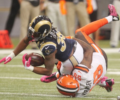 Todd Gurley continues to turn heads with performance