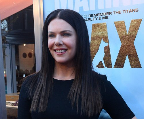 Lauren Graham waiting for 'Parenthood' revival