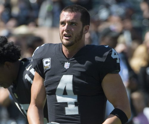 Fantasy Football: Oakland Raiders QB Derek Carr might have chance of playing vs. Ravens