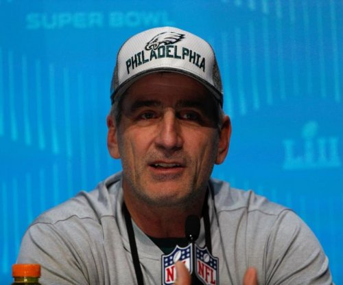 Philadelphia Eagles OC Frank Reich the favorite for Colts' head coaching job