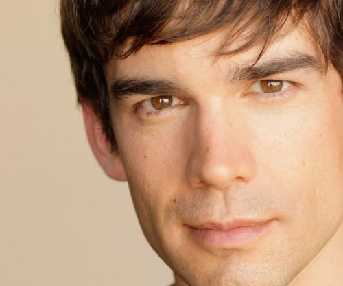 Christopher Gorham brings 'Death of Superman' to San Diego Comic-Con