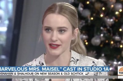 Rachel Brosnahan discusses mom-shaming in 'Mrs. Maisel'