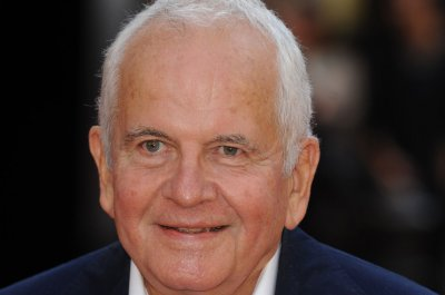Ian Holm, 'Lord of the Rings' and 'Chariots of Fire' star, dead at 88