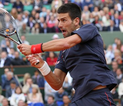 Djokovic runs Australian Open streak to 17 matches