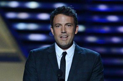 'Batman v Superman' trailer unveiled at San Diego Comic-Con