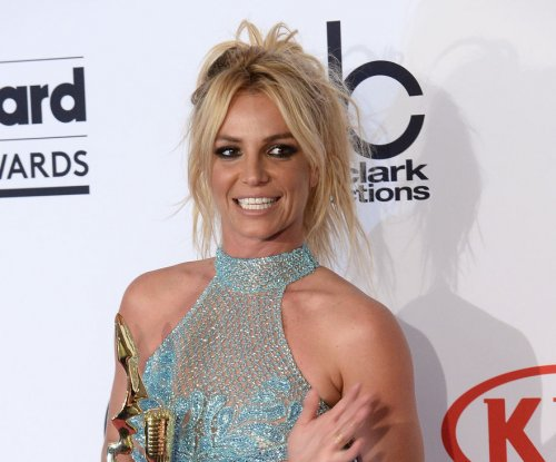 Britney Spears drops new single, 'Make Me'