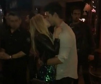 Taylor Lautner kisses 'Scream Queens' co-star Billie Lourd