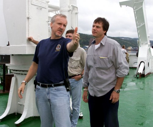 Ron Perlman calls Bill Paxton's death a 'gut punch;' other celebs react
