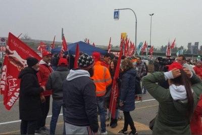 Amazon warehouse workers in Germany, Italy strike on Black Friday