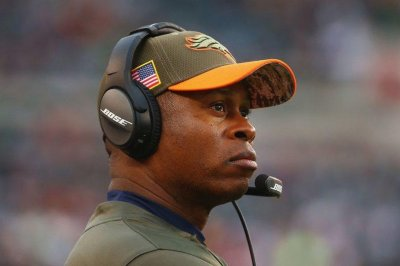 Denver Broncos head coach Vance Joseph to return for 2018 season