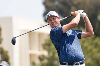 Harris English beats Kramer Hickok in 8-hole playoff, wins Travelers
