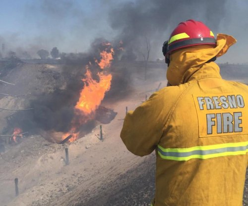Gas line explosion injures 15 in Fresno, Calif.