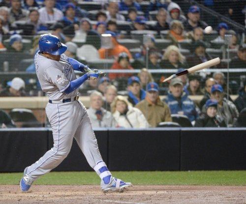 Salvador Perez's homer powers Kansas City Royals past Houston Astros