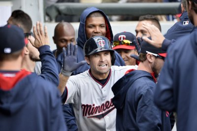 Brian Dozier homers twice as Minnesota Twins blank Chicago White Sox