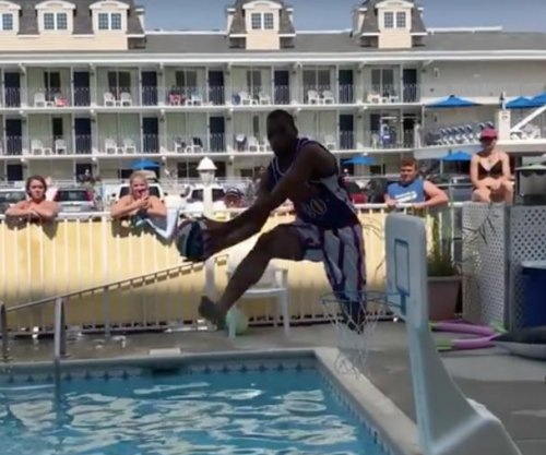 Harlem Globetrotters fly high at Jersey Shore pool party
