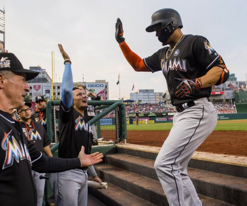 Giancarlo Stanton, Miami Marlins knock off Arizona Diamondbacks