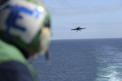 2 dead after U.S. Navy jet crashes near Key West