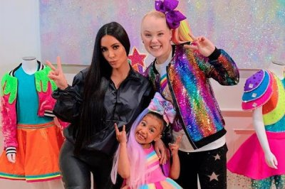 'Dance Moms' alum JoJo Siwa babysits North West